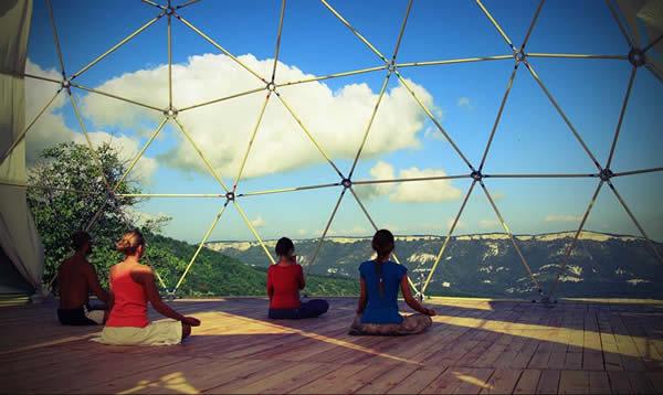 Геокупол для занятий йогой и медитациями в эко кемпе Новоульяновка, Юго-западный Крым